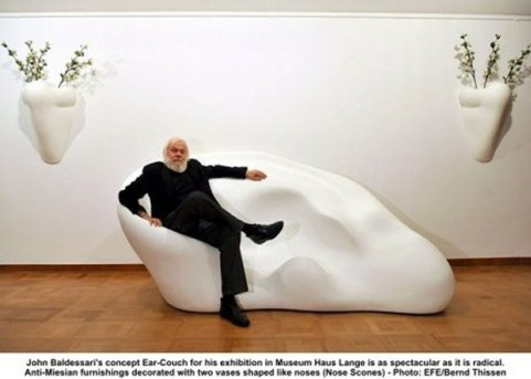 Baldessari_Ear_Couch