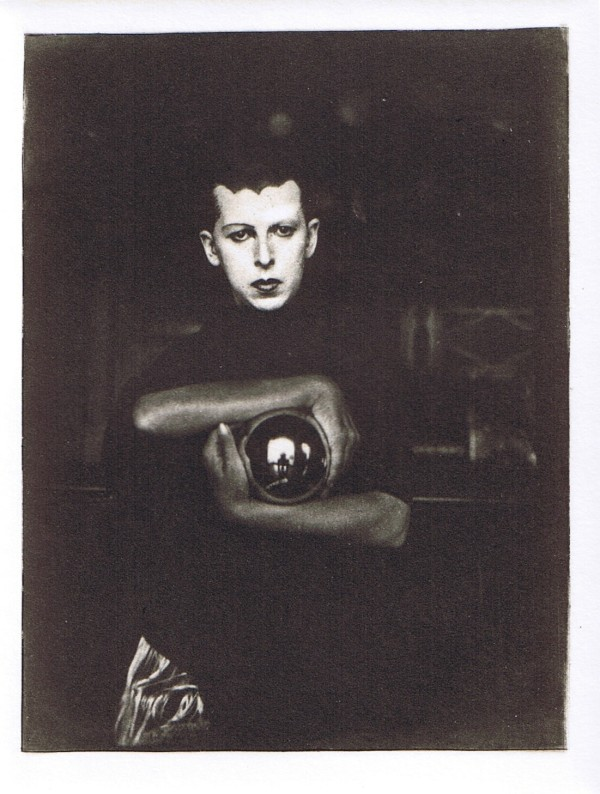 1-claude-cahun-theredlist3